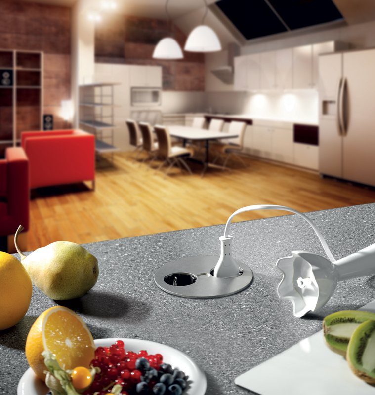 Corrente integrata sul top ambiente cucina - Prese elettriche cucina ...