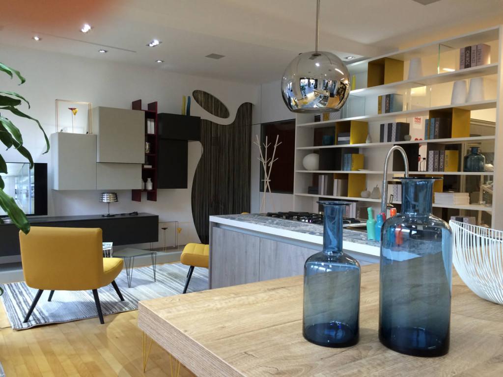 Nello store Febal Casa di Cuneo sono esposte le  cucine Chantal, Sand, Marina Chic, completate dalle nuove soluzioni per la zona notte, living, kids.
