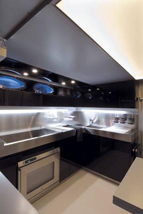 Le cucine più belle a bordo degli yacht | Ambiente Cucina