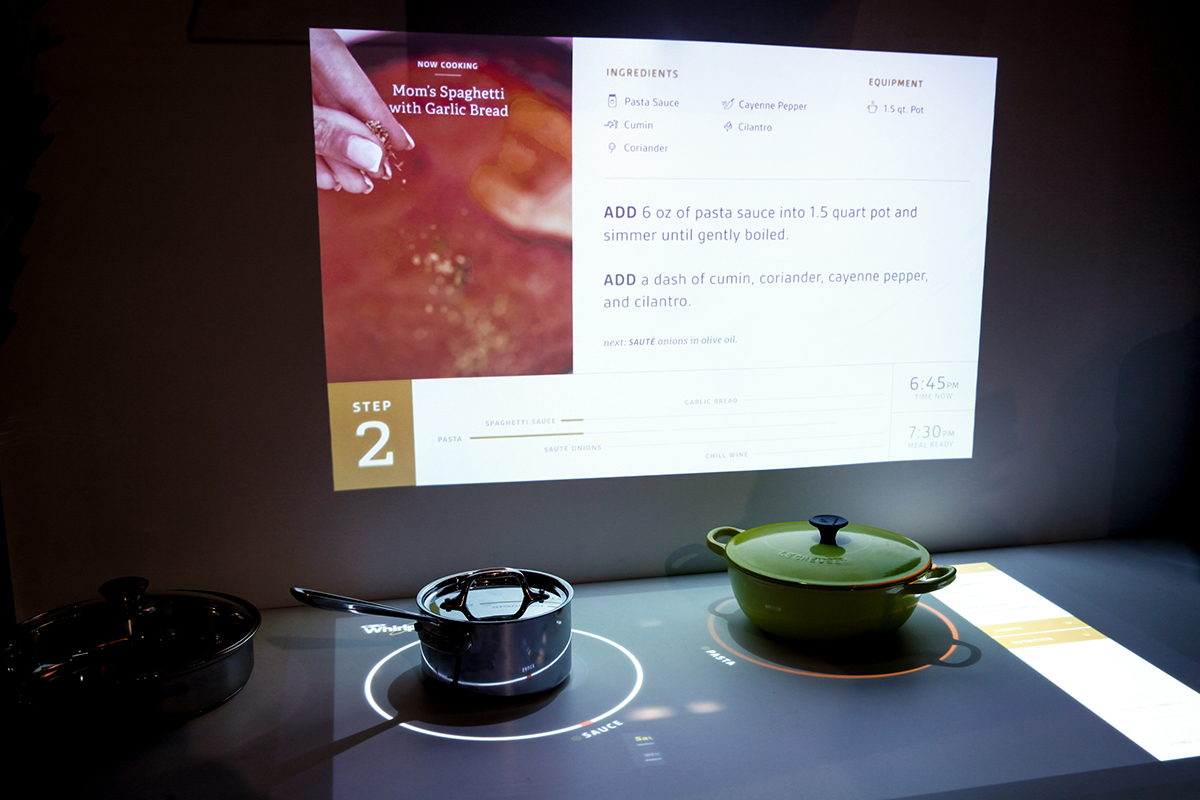 Whirlpool, cucina interattiva e social -  Interactive Kitchen of the Future