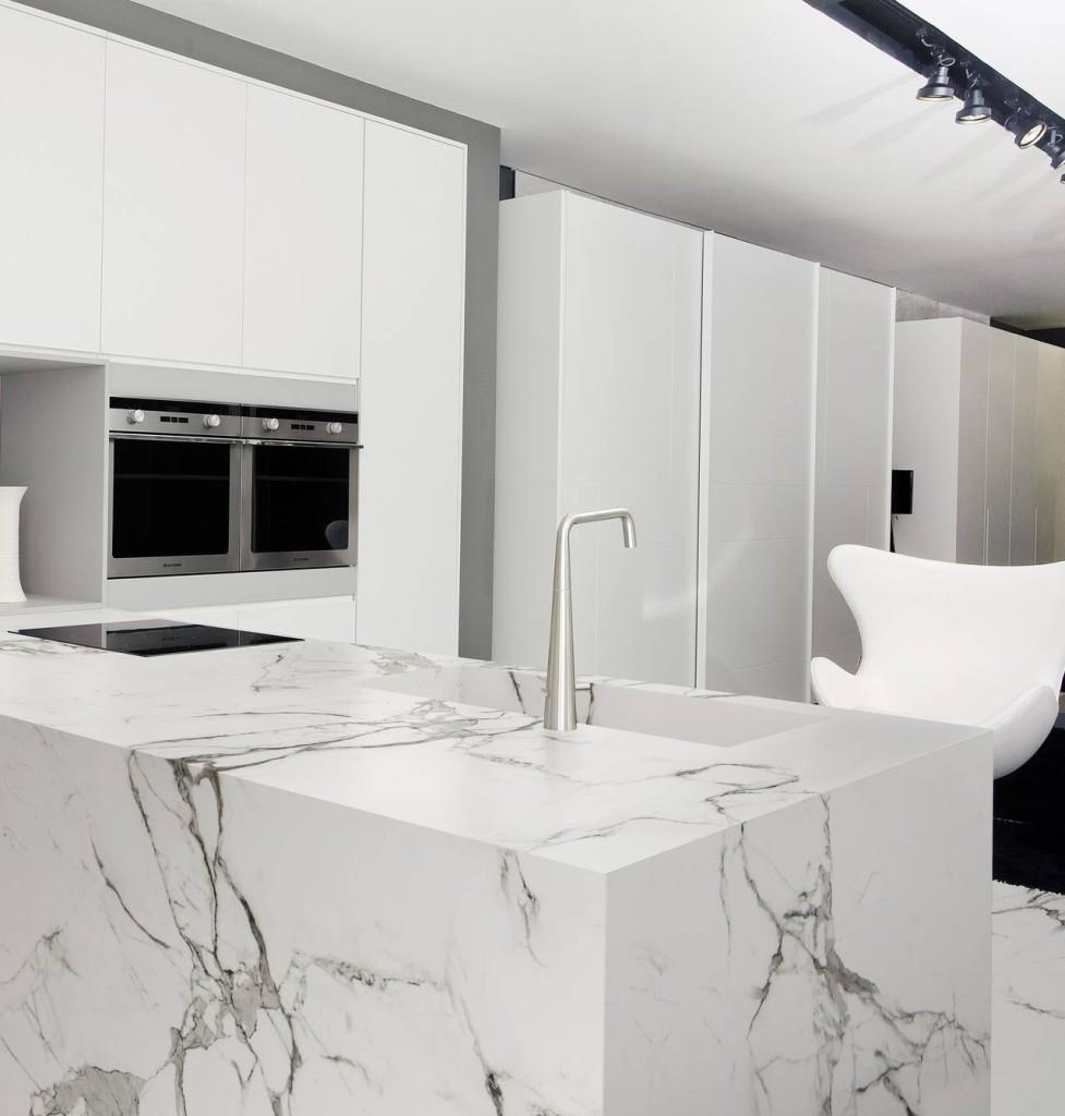 Superfici e finiture resistenti per la cucina ambiente - Top in marmo per cucine ...