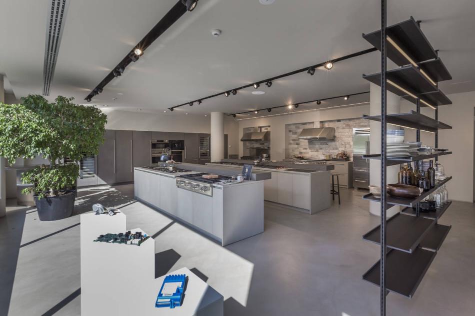 Frigo2000 - showroom - spazio piano terra
