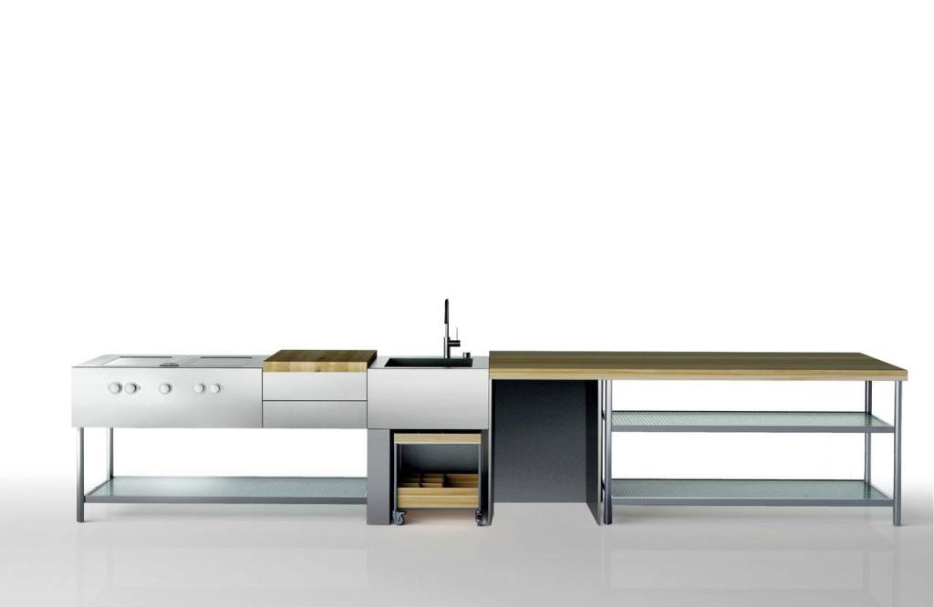 Il monoblocco Open progettato da Piero Lissoni può essere utilizzato sia in esterno sia in interno.