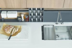 Cucina design Twelve Varenna con DuPont Corian bianco