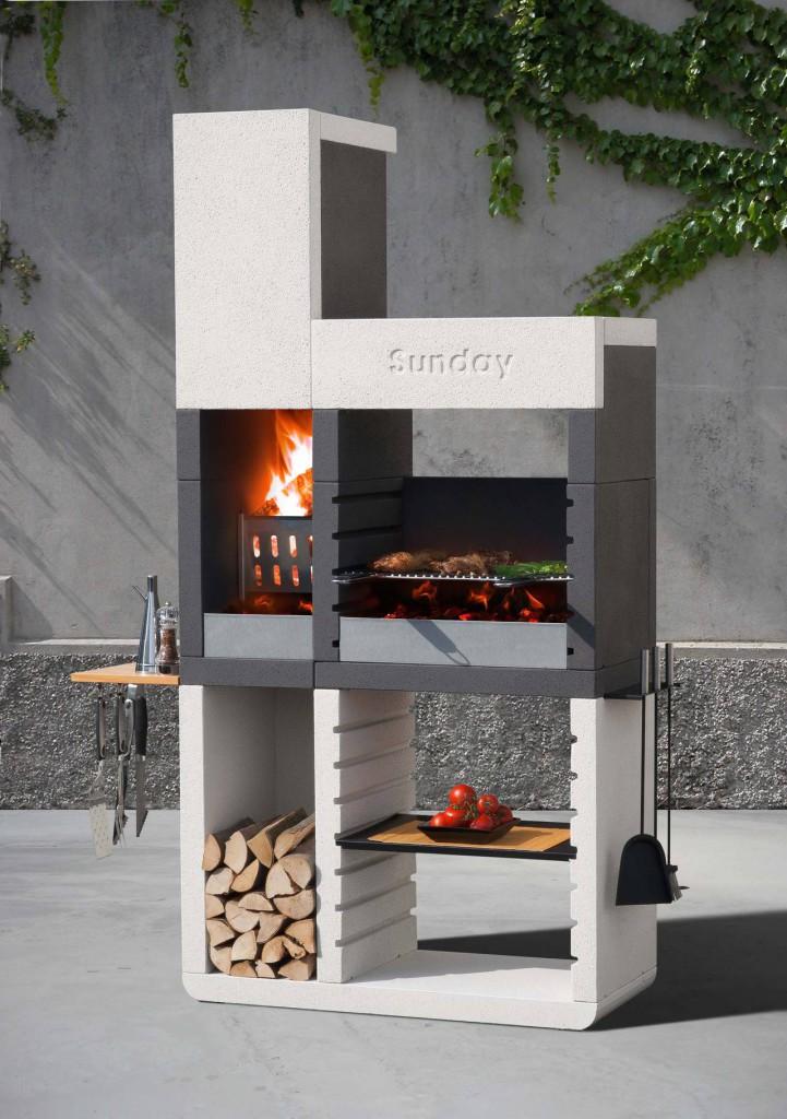 Realizzato in granulato di marmo, il barbecue One Tower di Sunday propone la tradizionale cottura a legna.