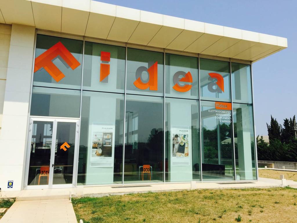 La sede del nuovo  show-room Fidea, di Lecce, dove è presente una Fulgor Milano Gallery