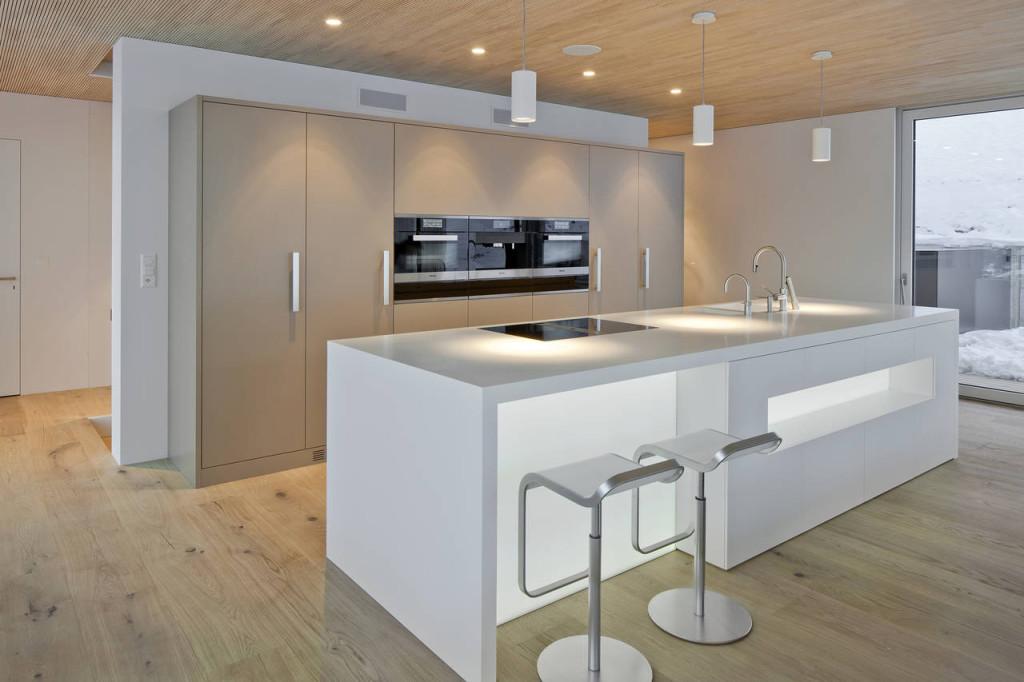 cucina minimal bianca in hi-macs in svizzera