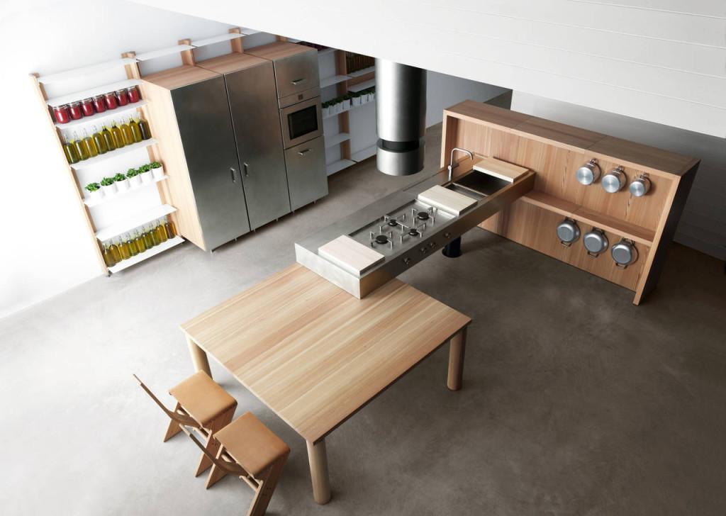 Il designer Enzo Berti ha pensato il piano cucina Forgia per l'azienda Lando.
