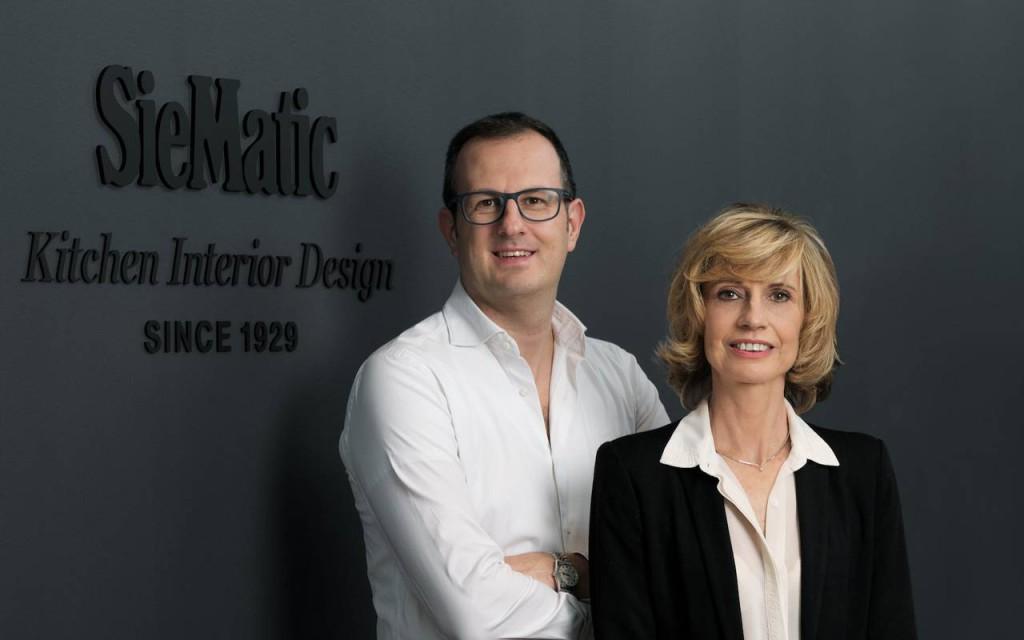 Christian Garavaglia, imprenditore e titolare del nuovo store milanese di Siematic, insieme a Patrizia Lunghi, Country manager in Italia del brand tedesco