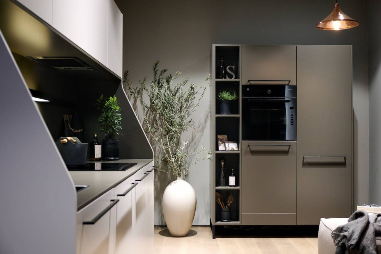 inaugurato a milano il flagship store siematic ambiente cucina. Black Bedroom Furniture Sets. Home Design Ideas
