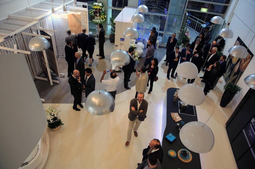 Un momento dell'inaugurazione del nuovo showroom Berloni a Doha.