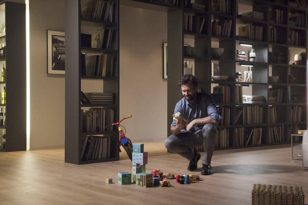 Carlo Cracco colto in un momento di intimità familiare nel nuovo spot televisivo di Scavolini