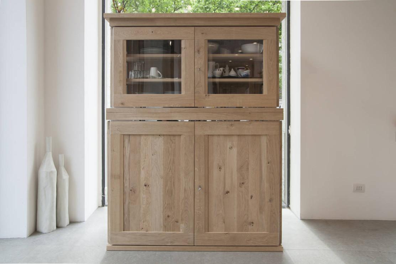 Una credenza in cucina ambiente cucina - Mobili per cucina ...