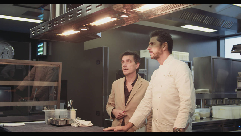 Franco Driusso, art directo di Arrital, insieme allo chef stellato Andrea Berton