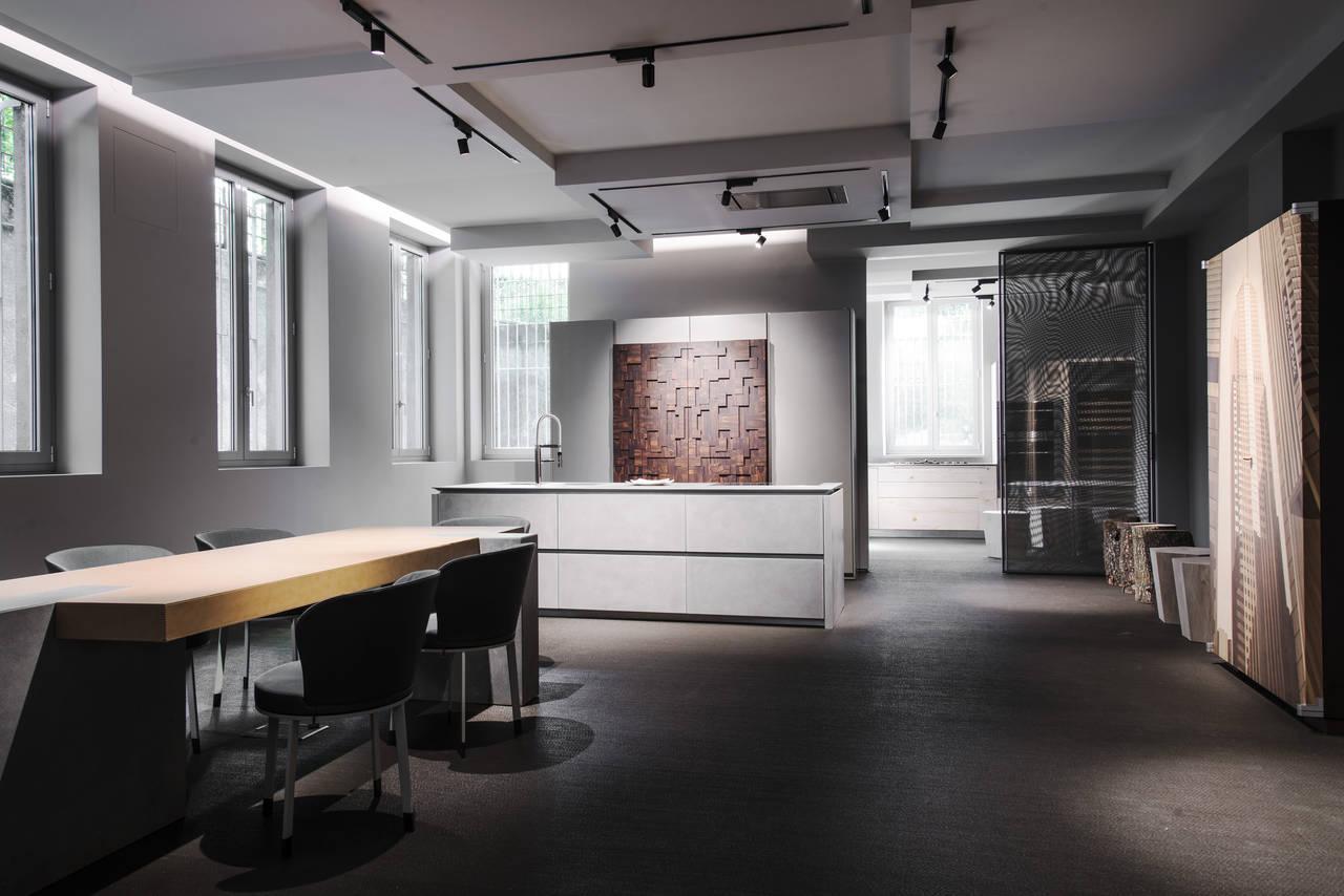 Un interno del nuovo showroom di Toncelli, aperto a Milano in occasione del salone del mobile, nella elegante via dei Giardini.