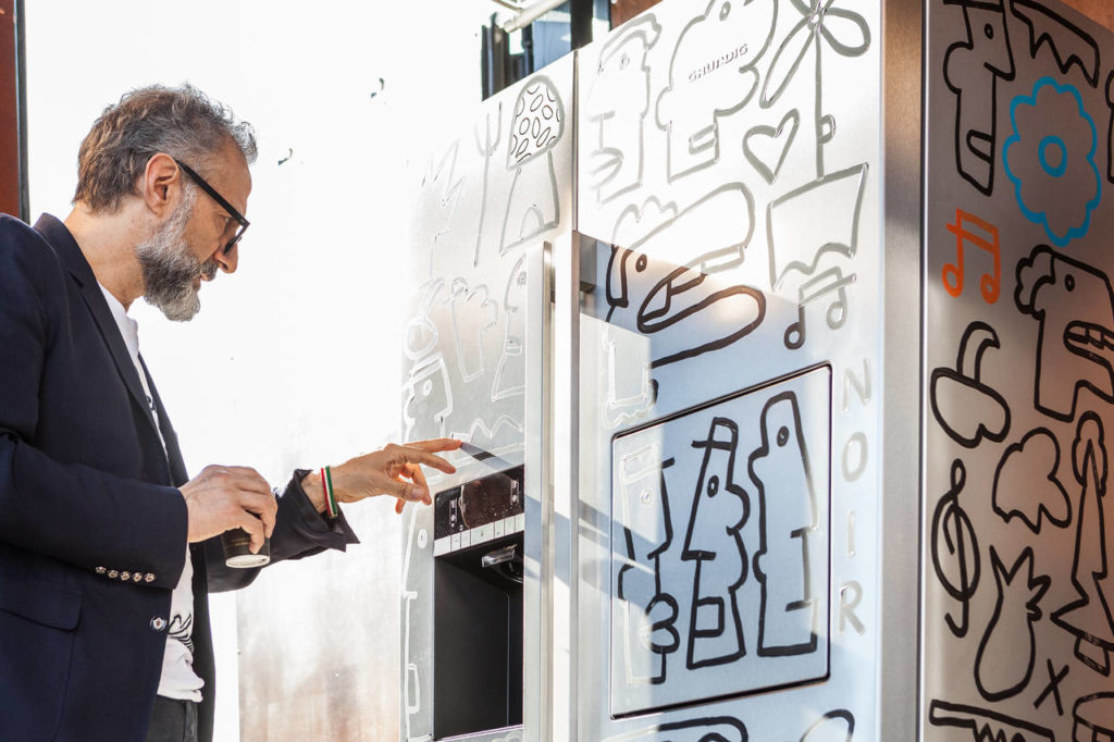 Grundig collabora con Massimo Bottura