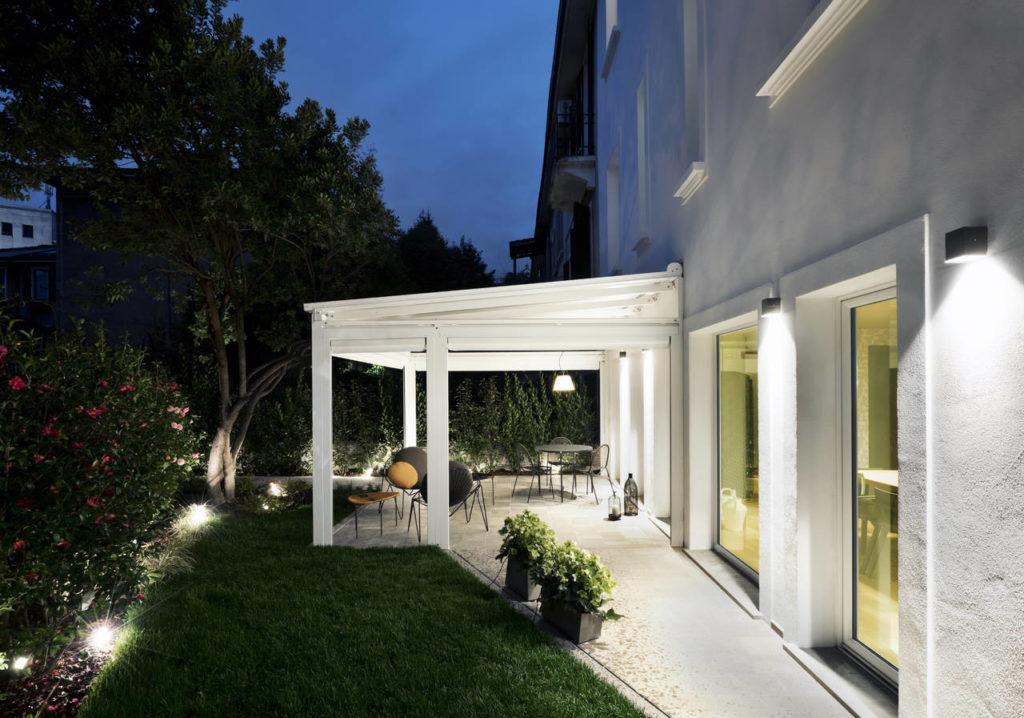 Il dehor è uno dei punti di forza dell'ospitalità della Guest House Conti