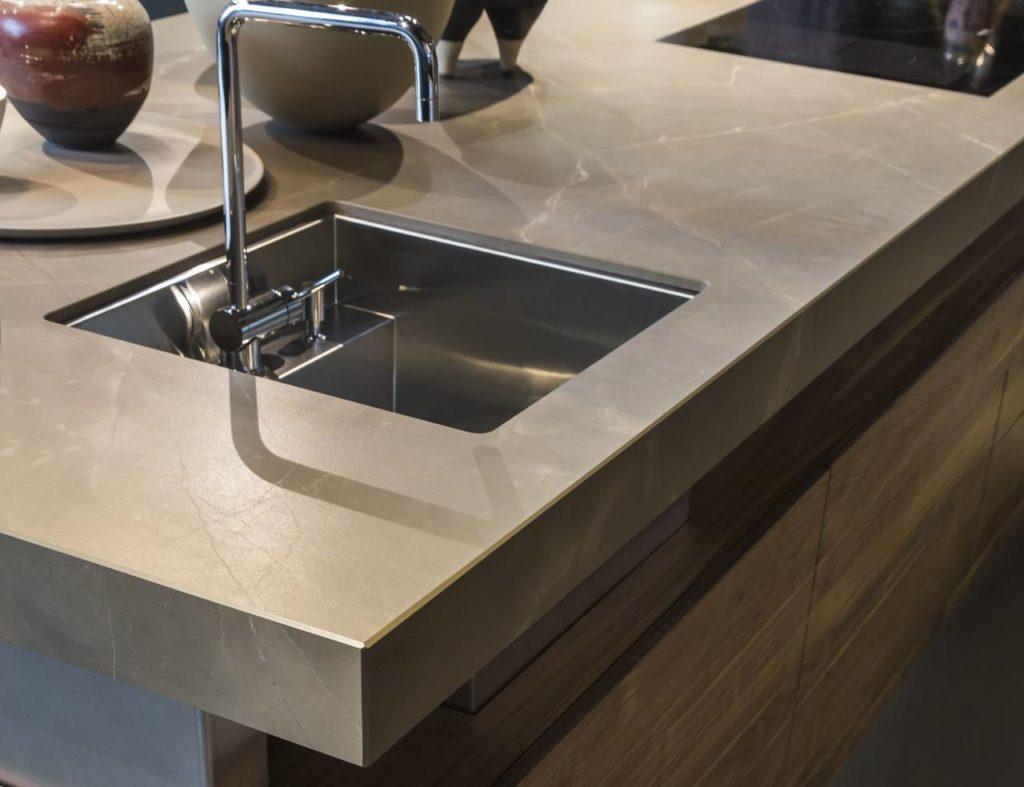 Gres e pietra hi tech per cucine dalle performance - Top cucina kerlite ...