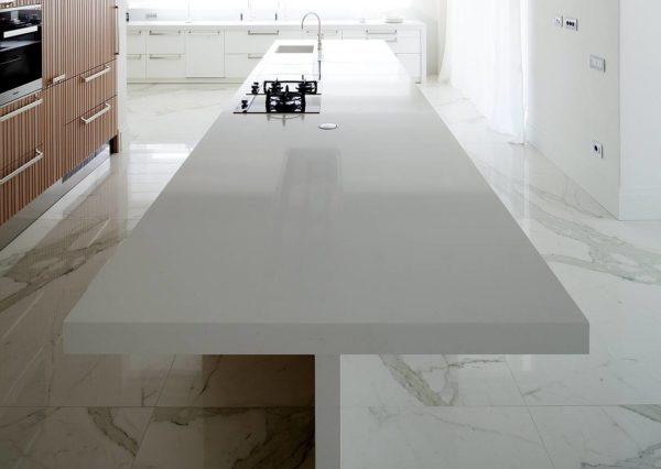 Cucina Con Piano In Quarzo.Il Quarzo Eccellente Di Marmo Arredo Ambiente Cucina