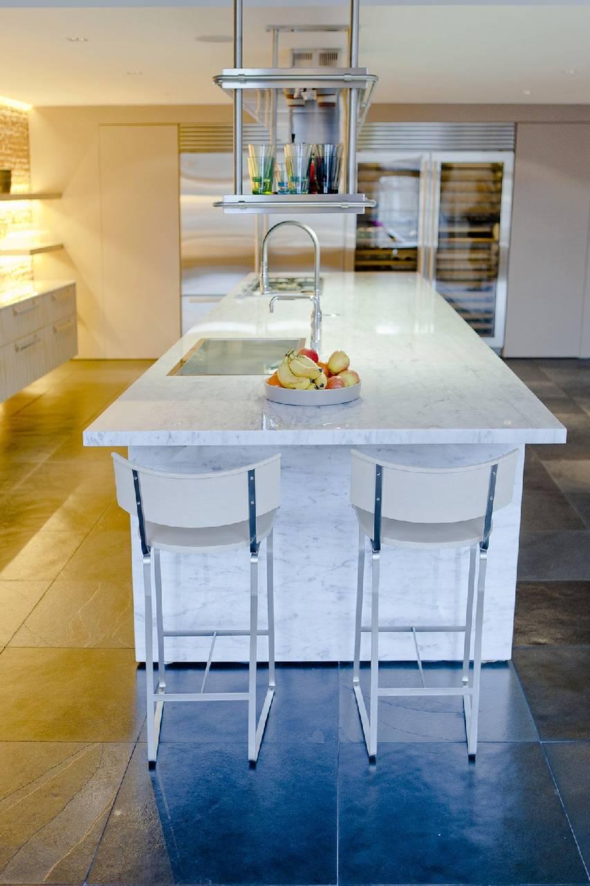 Cucina Con Piano In Marmo Di Carrara.Marmo Bianco Di Carrara Per Una Cucina Scultura In Olanda