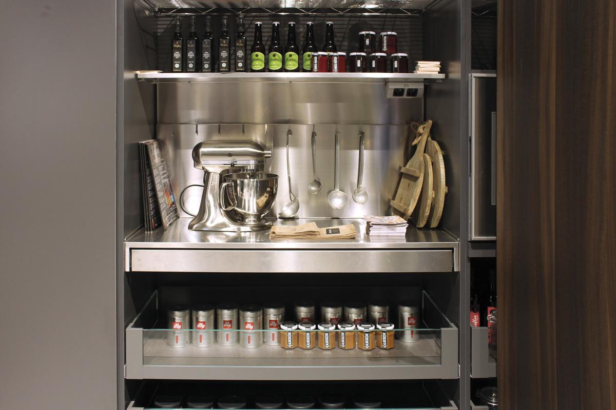 Essetre soluzioni per organizzare la dispensa ambiente - Armadio dispensa cucina ...
