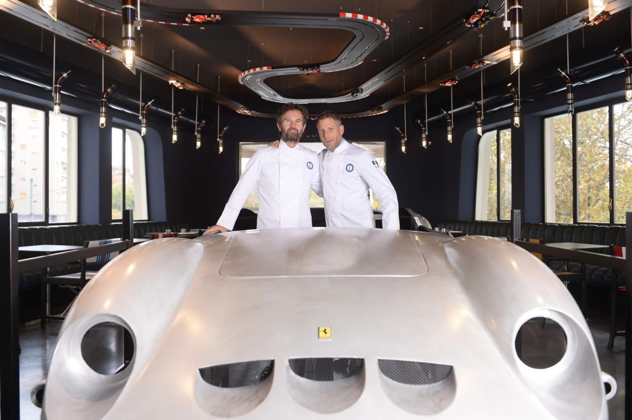 Garage italia a milano lo chef carlo cracco con lapo elkann - Garage italia ristorante ...