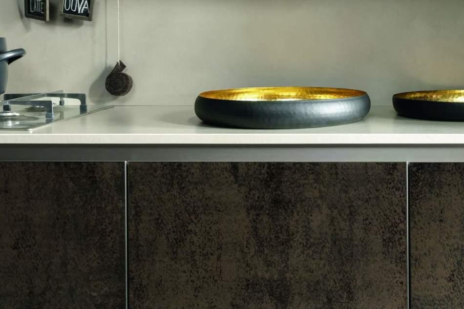 Il vetro materico e glamour della cucina Kaleidos
