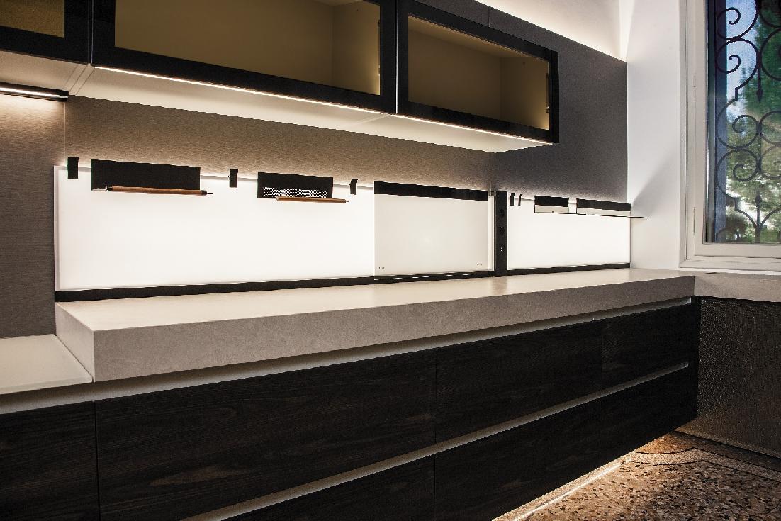 K Concept Il Nuovo Pannello Di L S Che Illumina E Decora La Cucina Ambiente Cucina