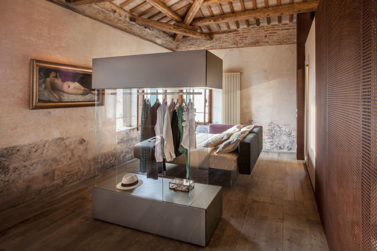 Charme antico e design firmato per uno spazio cucina dalle trasparenze soft ambiente cucina - Camera da letto lago ...