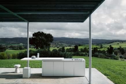 """L'intelligenza del rivoluzionario """"cubo-cucina"""" progettato da Norbert Wangen. E realizzato da Boffi"""