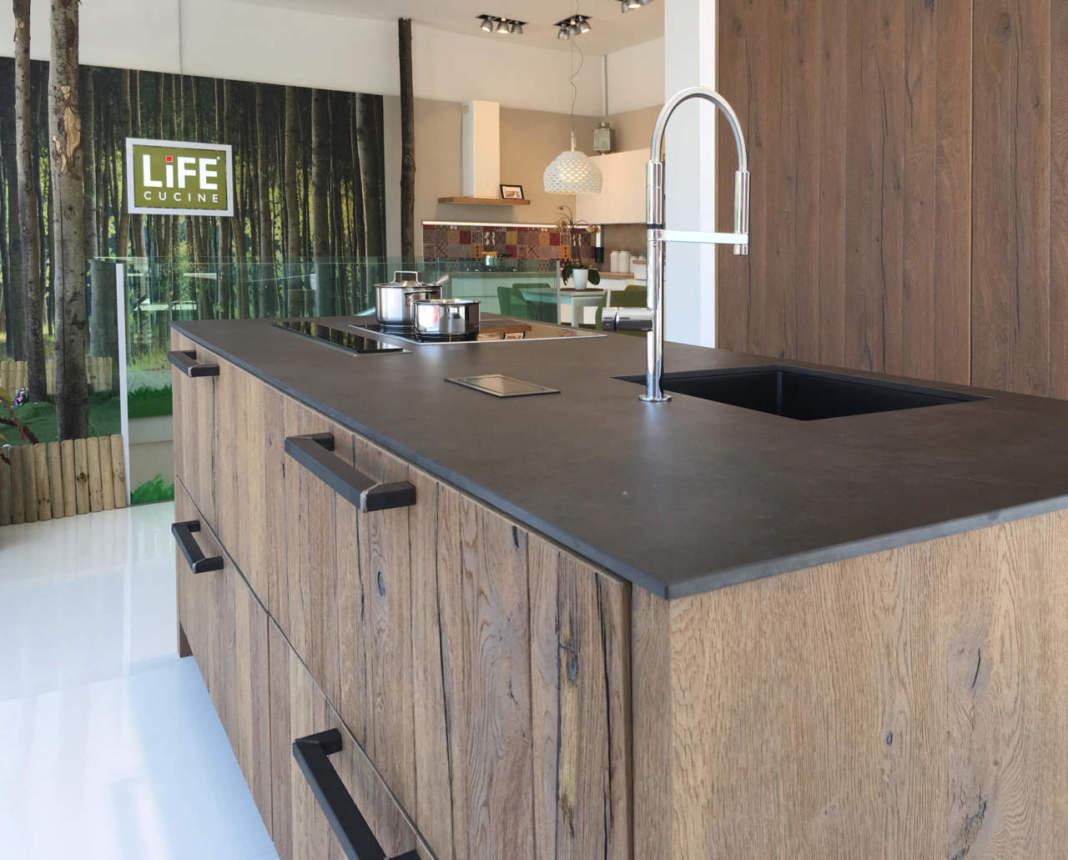 Realt virtuale nei nuovi punti vendita di life cucine for Aziende cucine design