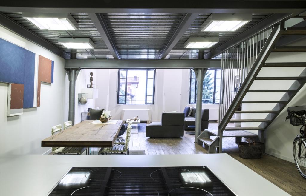 Un Loft Total Look Con Vista Panoramica Ambiente Cucina