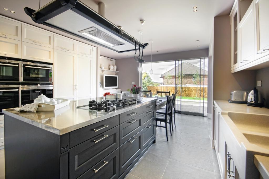 Il mood globale di una residenza inglese ambiente cucina - Cucine minacciolo english mood ...