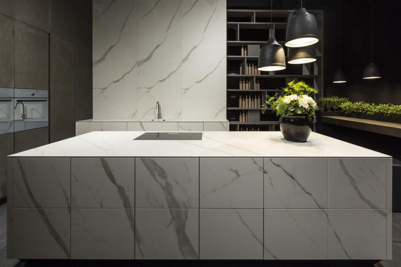 Linearit delle forme per la cucina kube di rifra for Aziende cucine design