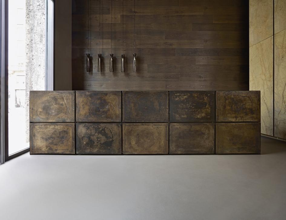 La cucina in bronzo terra di minotticucine vince il for Aziende cucine design