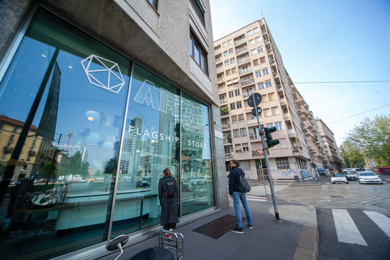 Aran cucine flagship store milano porta nuova ambiente for Galbiati arreda