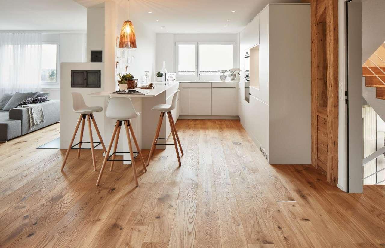 Con Bauwerk®, parquet pulito e lucente anche in cucina ...