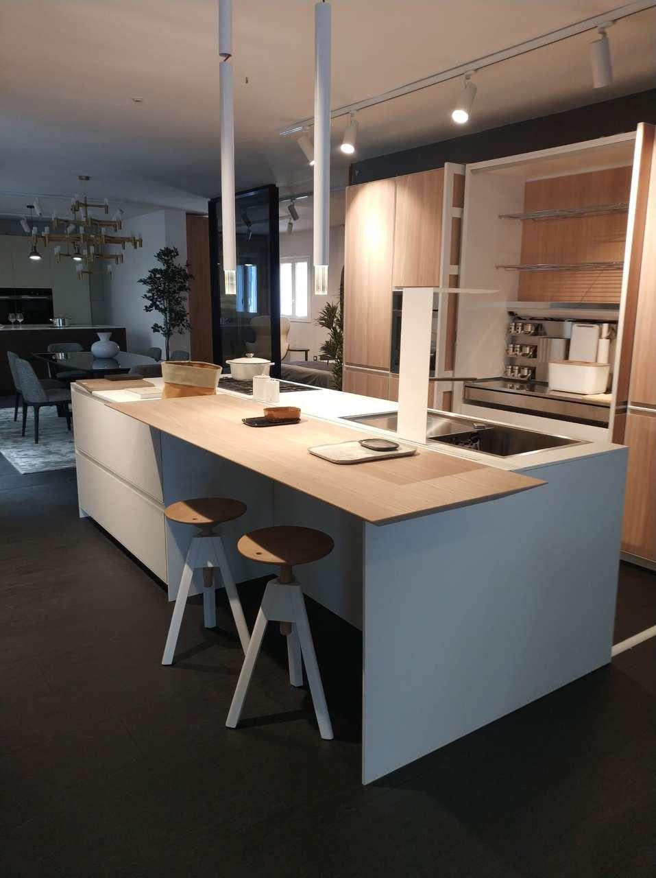 Mule_DesignforLiving_Alcamo_TP_cucina_bianca_legnochiaro
